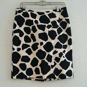 Ann Taylor Loft Giraffe Print Skirt Black Size 6